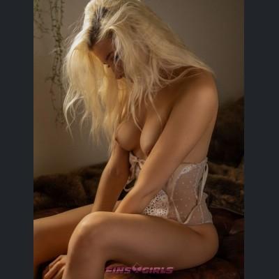 Sexwork & Escort i Finland - Escortpige: